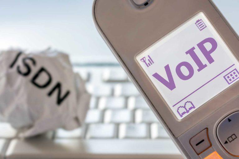 ISDN-Abschaltung 2020: Was Sie zum Wechsel auf VoIP-Telefonie jetzt wissen müssen